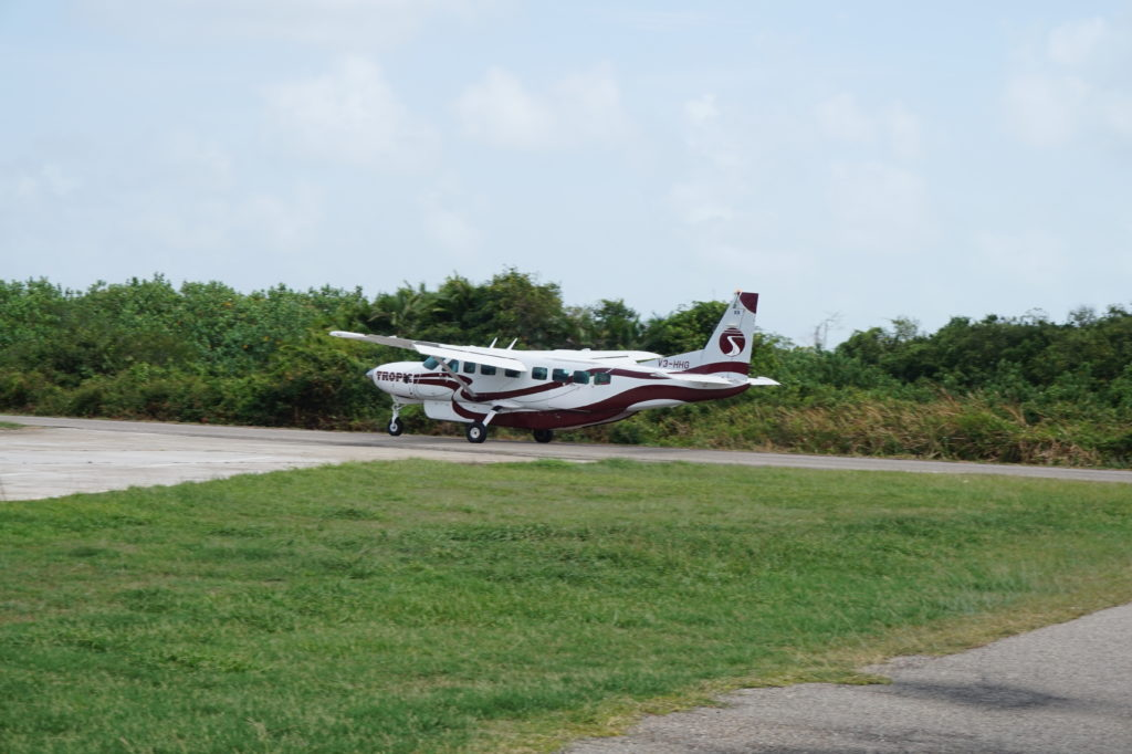 Dangriga airport shuttles to Hopkins